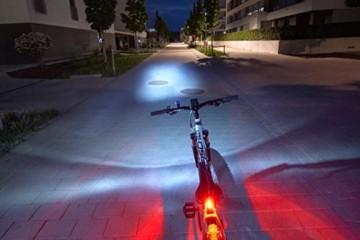 FISCHER LED Beleuchtungsset, mit 360° Bodenleuchte für mehr Sichtbarkeit und Schutz, aufladbare Akkus mit USB - 4