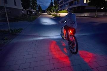 FISCHER LED Beleuchtungsset, mit 360° Bodenleuchte für mehr Sichtbarkeit und Schutz, aufladbare Akkus mit USB - 5